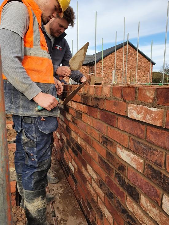 Bricklayers near Southpor